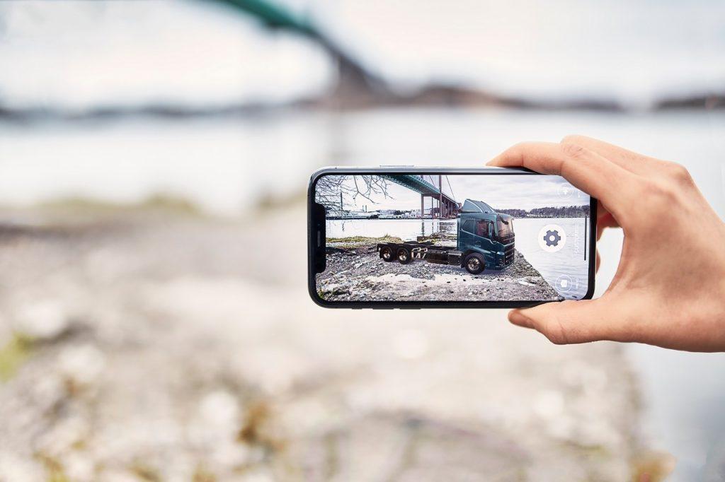 Volvo Trucks propose un configurateur en ligne grâce à la réalité augmentée