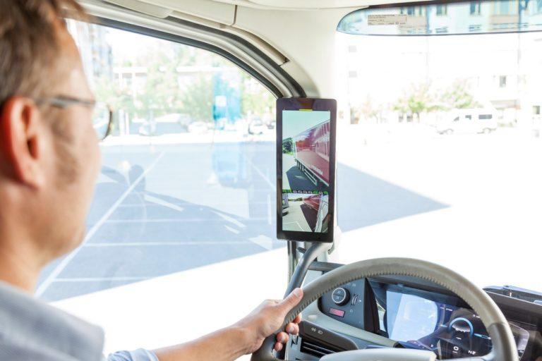 Le rétroviseur numérique MirrorEye de Stoneridge de nouveau récompensé.