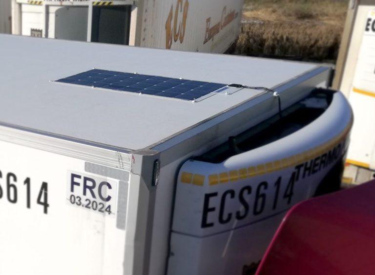 Thermo King a équipé de panneaux solaires ThermoLite 76 nouvelles semi-remorques frigorifiques de l'entreprise ECS.