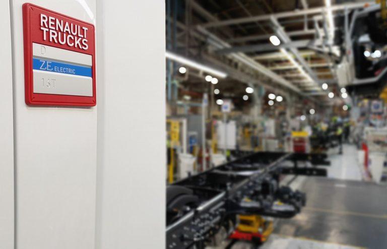 Renault Trucks continue d'investir massivement dans la mobilité électrique.