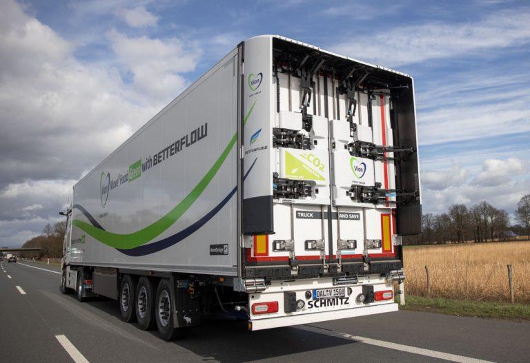 Le pack aérodynamique de Betterflow installé sur la caisse frigo de Schmitz Cargobull est particulièrement frugal en transport longue distance.